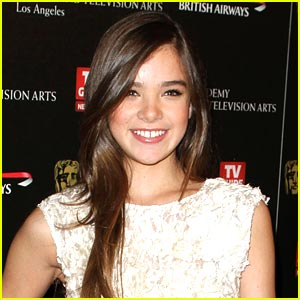 Hailee Steinfeld: I Really Stick Out!