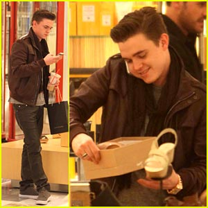 Jesse McCartney: Shoe Shopping at Barneys!