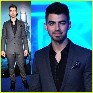 Joe Jonas: Tron Legacy Premiere!