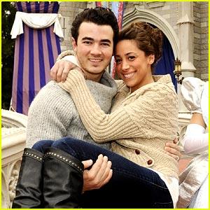 Happy First Anniversary, Kevin & Danielle Jonas!