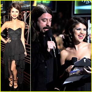 Selena Gomez: Gorgeous in Gray For Grammy Nominations