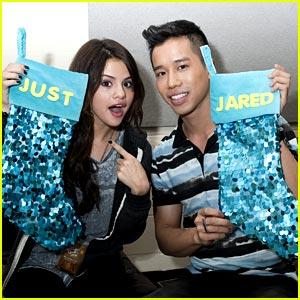 Selena Gomez: Christmas Stockings with Just Jared Jr!
