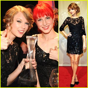 Taylor Swift: CMT Artist of the Year