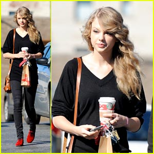 Taylor Swift is Coffee Cozy