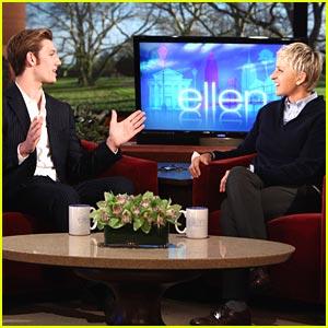 Alex Pettyfer: Dianna Agron Has 'Classic Movie Star Elegance'