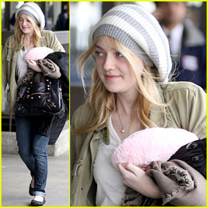 Dakota Fanning: Off to Louisiana!