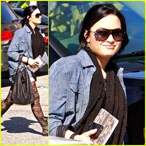 Demi Lovato Laces Up