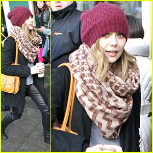 Elizabeth Olsen Leaves Fashion to Mary-Kate & Ashley