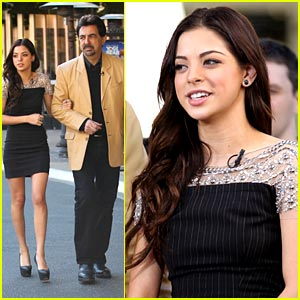 Gia Mantegna: Grove Girl with Dad Joe!