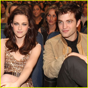 Robert Pattinson: Kristen Stewart Is a Natural Vampire