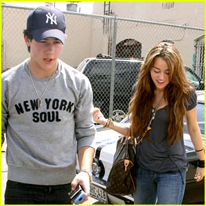 New Miley Cyrus & Nick Jonas Duet in the Works?