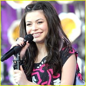 Miranda Cosgrove: Concert in Chicago for Carrie!