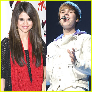 Selena Gomez & Justin Bieber: Kissing Couple!