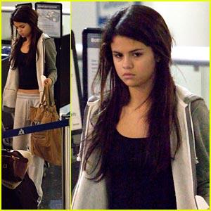 Selena Gomez: Late Night at LAX