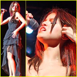 Selena Gomez: Puerto Rico Performer!