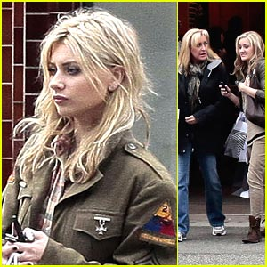 Aly & AJ Michalka: Aritzia Shopping with Mom Carrie!