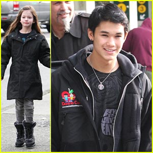 BooBoo Stewart & Mackenzie Foy: Off to Vancouver!