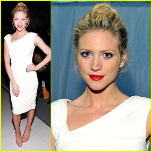 Brittany Snow: Monique Lhuillier Lovely