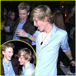 Cody Simpson & Kenton Duty: Dougie on the Dance Floor