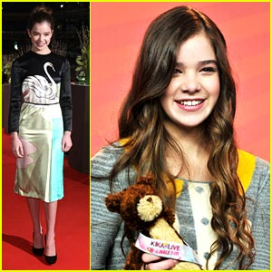 Hailee Steinfeld: Berlin Beautiful