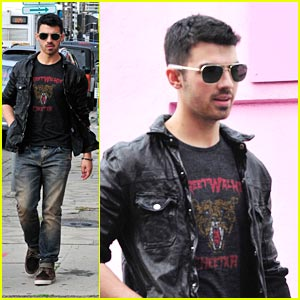 Joe Jonas: Shopping with Stylist Michelle!