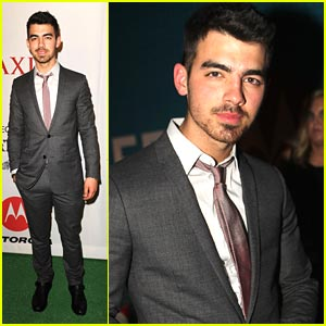 Joe Jonas Xooms With Motorola