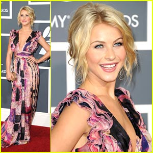 Julianne Hough is Maladrino Magical