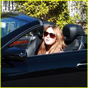 Miley Cyrus: Cruisin' in California