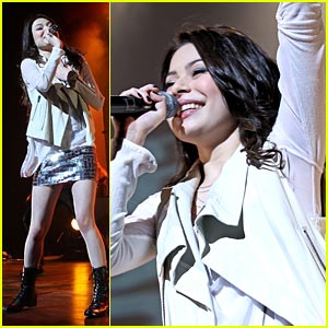 Miranda Cosgrove: Meet Me at Borders TODAY!