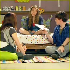 Nathalia Ramos & Brad Kavanagh: New 'House of Anubis' Tonight!