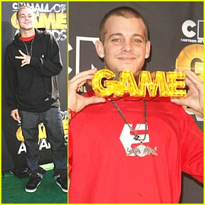 Ryan Sheckler Wins Alti-Dude at Hall of Game Awards!