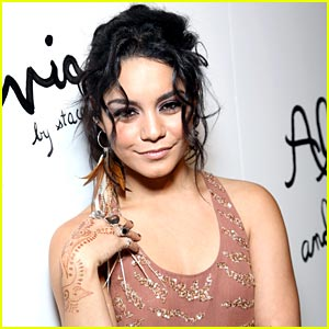 Vanessa Hudgens Had 'The Best Time' during Fashion Week