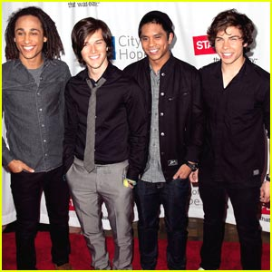 AllStar Weekend: 'Hold It Against Me' Cover at Concert For Hope!