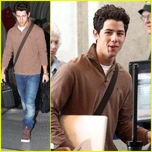 Nick Jonas: Off To Nashville!