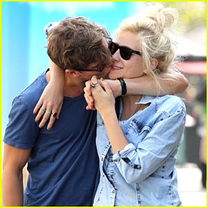 Pixie Lott & Oliver Cheshire Keep Close at the Grove