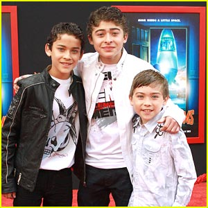 Ryan Ochoa: 'Mars Needs Moms' Premiere!