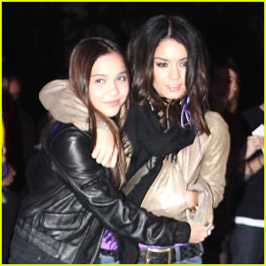 Vanessa &#038; Stella Hudgens: Lakers Ladies