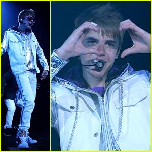 Justin Bieber Hearts Singapore