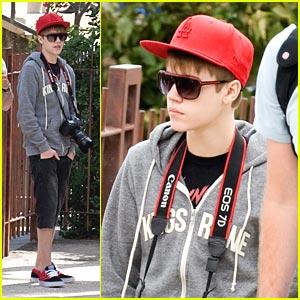 Justin Bieber Nabs 11 Billboard Music Award Nominations!