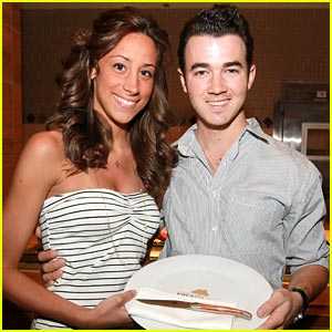 Who is kevin jonas dating currently