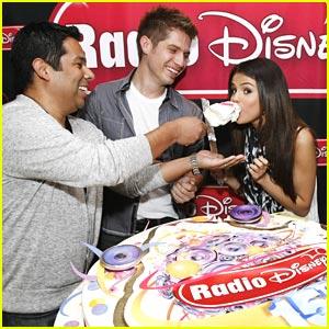 Selena Gomez Celebrates Radio Disney's 15th Birthday!