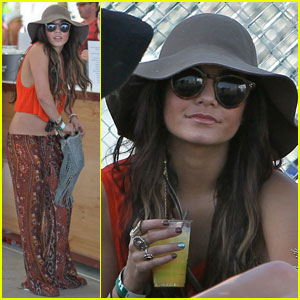 Vanessa Hudgens is Coachella Cute!