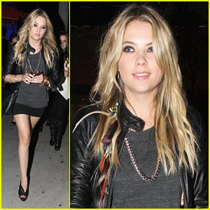 Ashley Benson: Annabeth Gish Is Amazing!