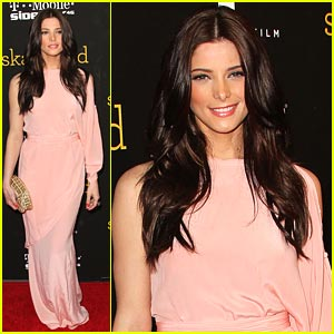 Ashley Greene Premieres 'Skateland'