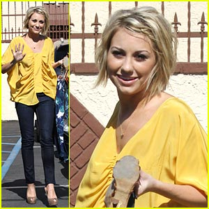 Chelsea Kane: Cropped Trouser Pant Love!