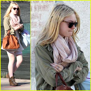 Dakota Fanning is a 'Very Good Girl'