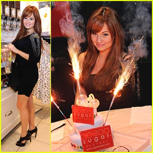 Debby Ryan: Sugar Factory Fun!