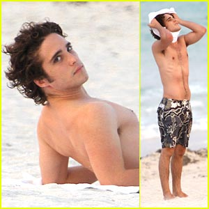 Diego Boneta: 'Rock of Ages' Abs in Miami!