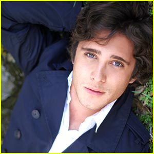 Diego Boneta: Feed The Hungry San Miguel de Allende Video!
