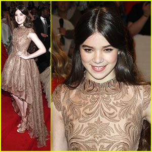 Hailee Steinfeld: Stella McCartney Magical at the MET Ball